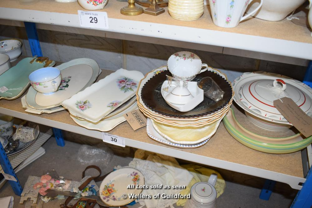 Lot 30 - *SHELF OF PORCELAIN WARE AND COLLECTABLES