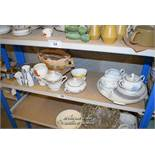 *SHELF OF PORCELAIN WARE AND COLLECTABLES