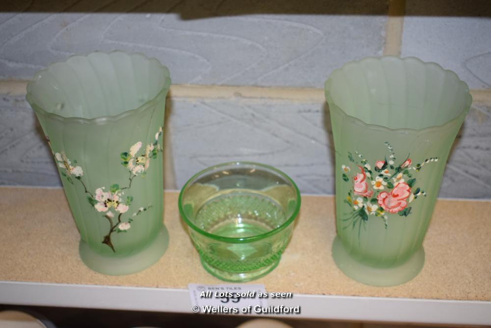 *SHELF CONTAINING TWO GLASS VASES AND ONE OTHER ITEM