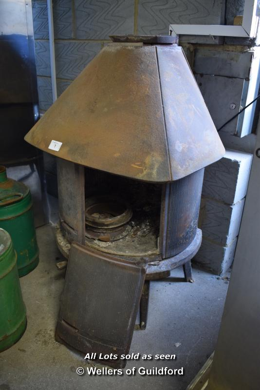 Lot 1 - *JOTUL CAST IRON LOG BURNING STOVE