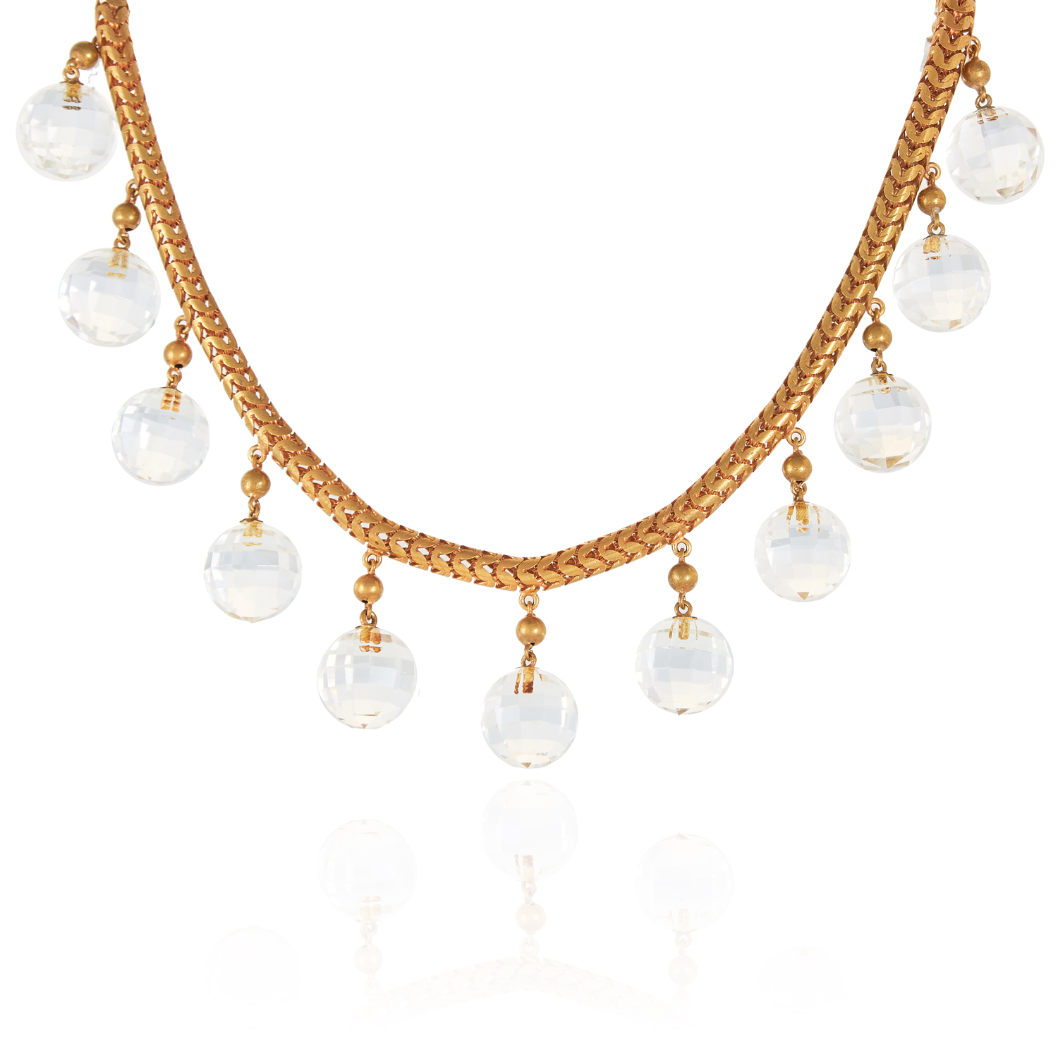 Los 47 - AN ANTIQUE GEORGIAN ROCK CRYSTAL BEAD NECKLACE, EARLY 19TH CENTURY set with eighteen faceted rock