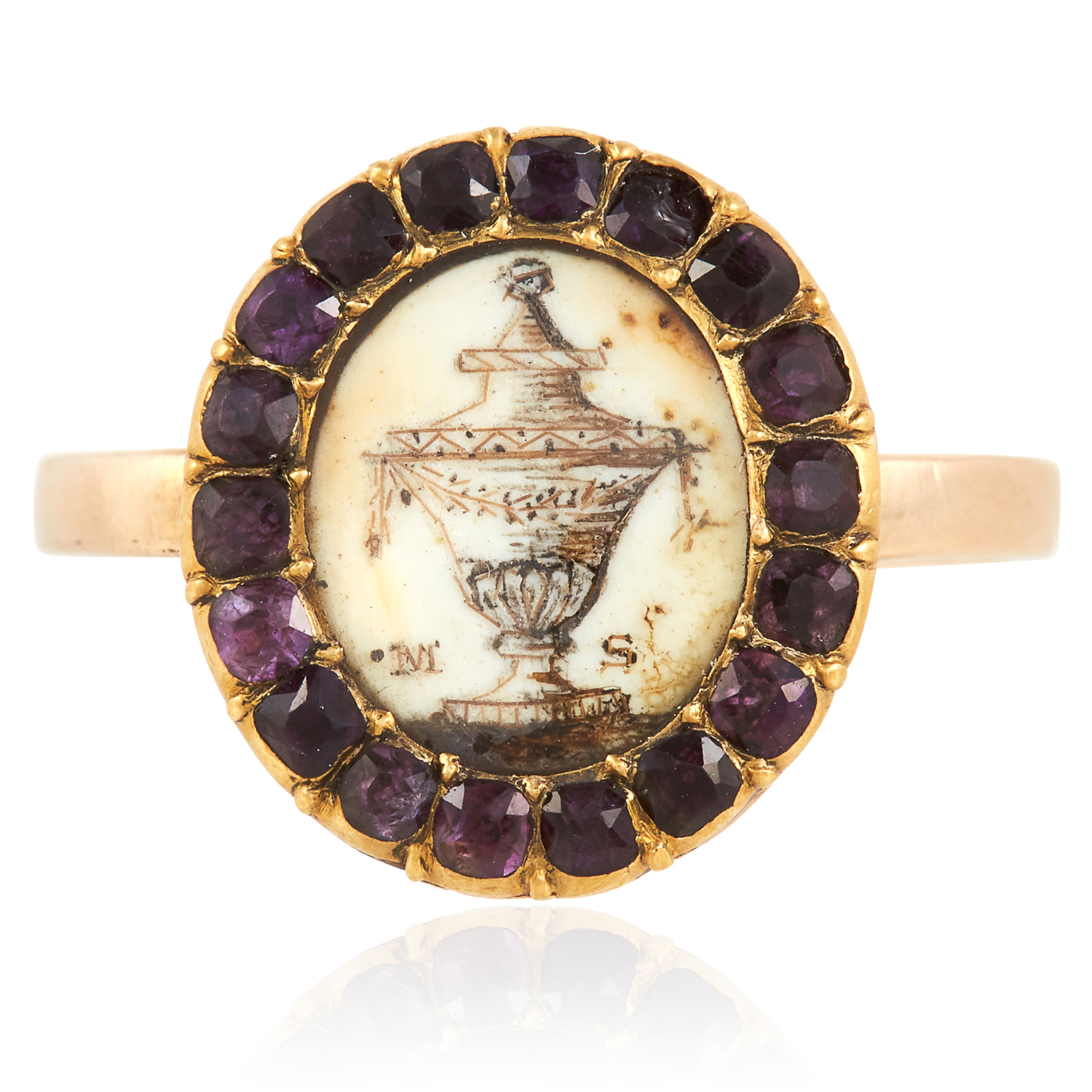 Los 52 - AN ANTIQUE GEORGIAN MINIATURE AND GARNET MOURNING RING, 18TH CENTURY in high carat yellow gold,