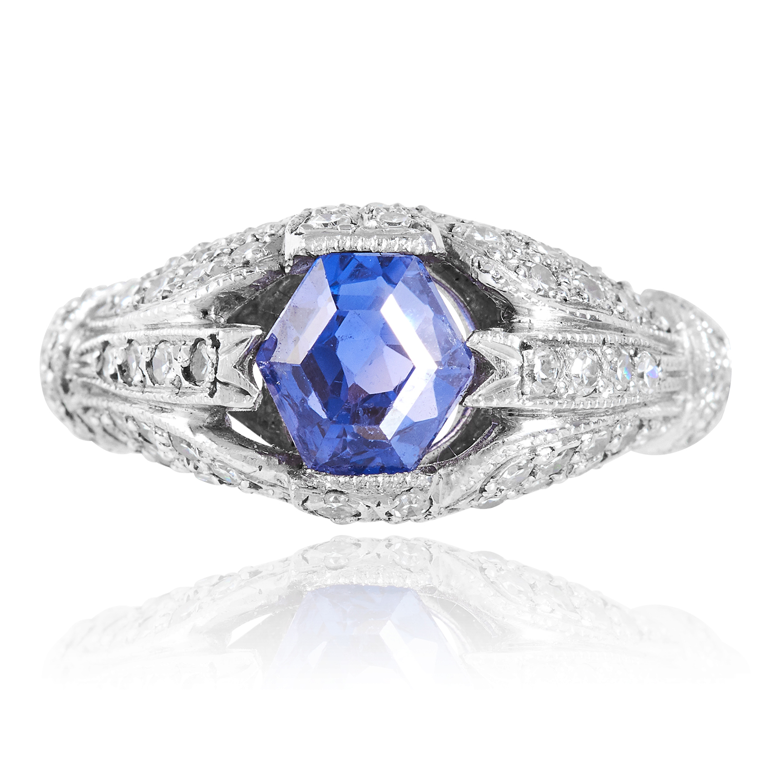 Los 29 - A 1.98 CARAT SAPPHIRE AND DIAMOND DRESS RING in platinum, set with a hexagonal cut sapphire of