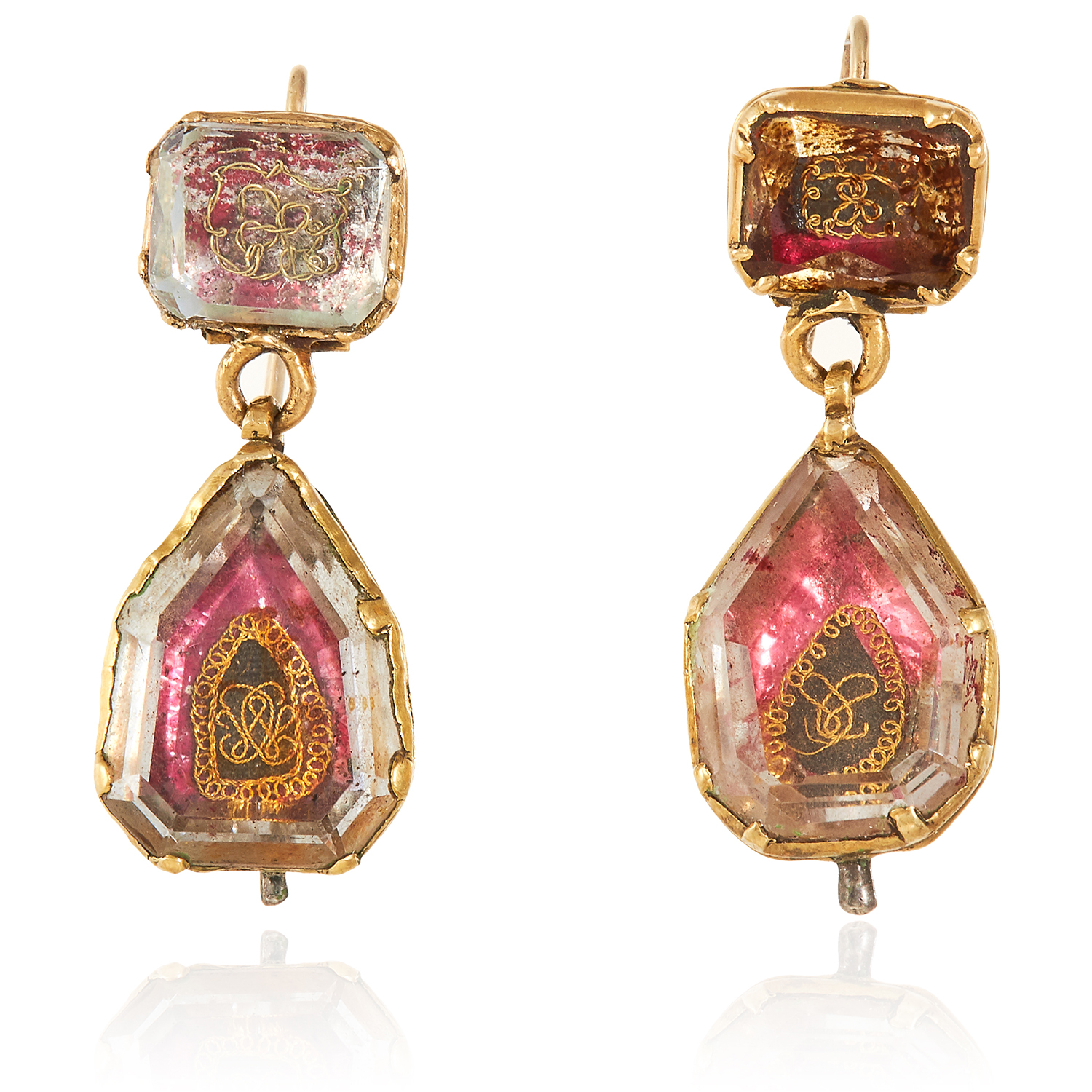 Los 51 - A PAIR OF ANTIQUE STUART CRYSTAL MOURNING EARRINGS in high carat yellow gold, 18th century, each