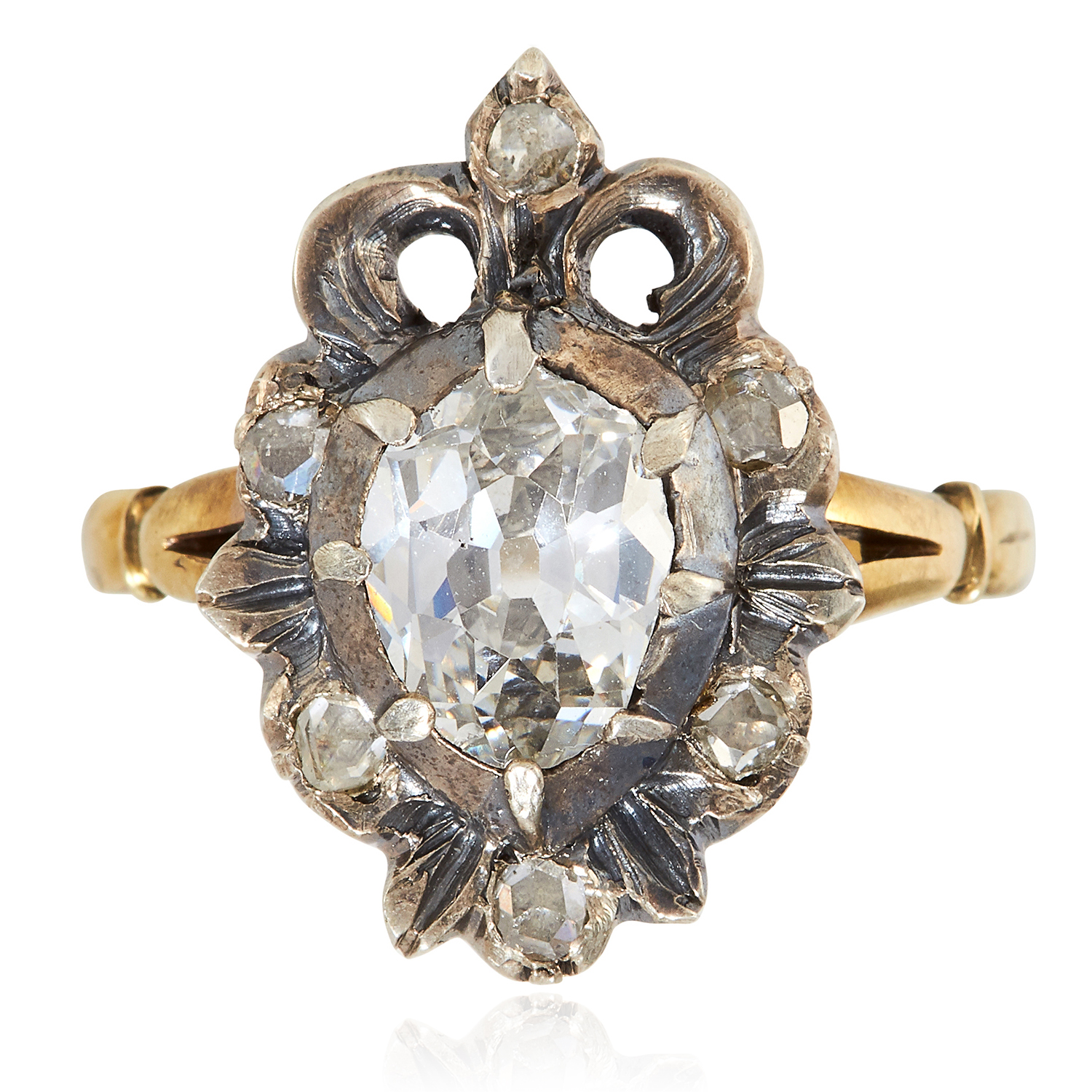 AN ANTIQUE GEORGIAN DIAMOND DRESS RING, 18TH CENTURY in high carat yellow gold, set with an old