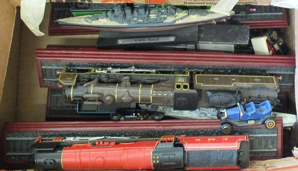 Lot 29 - Various static model railway engines etc