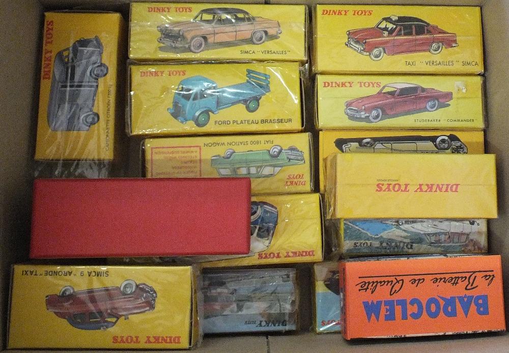 Lot 32 - A box of fifteen Atlas Dinky cars