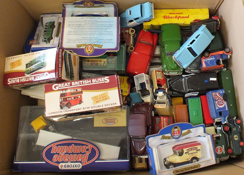 Lot 30 - Boxed and unboxed models, Oxford,