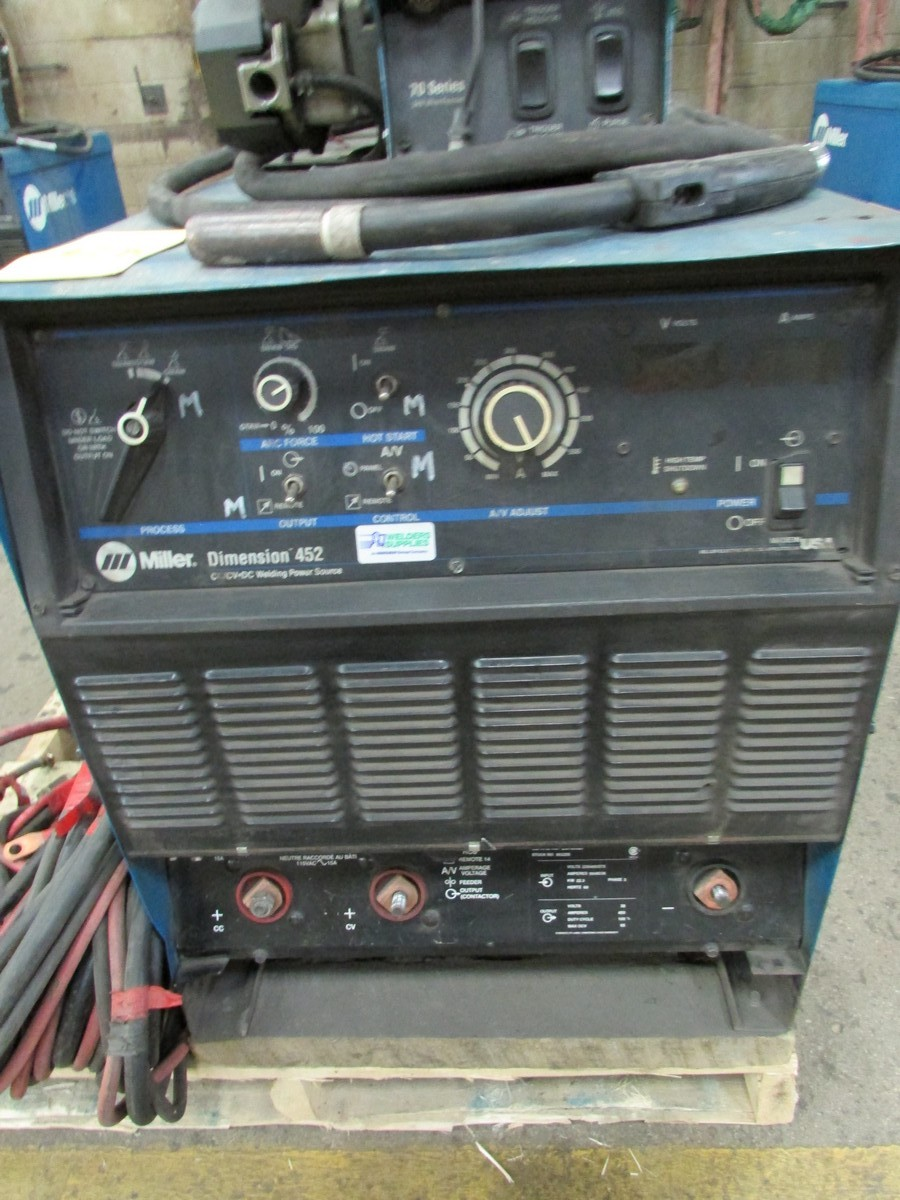 Miller Dimension 452 welder, s/n LC709927 c/w 70 Series 24V wire feed welding gun w/ generous length - Image 2 of 4