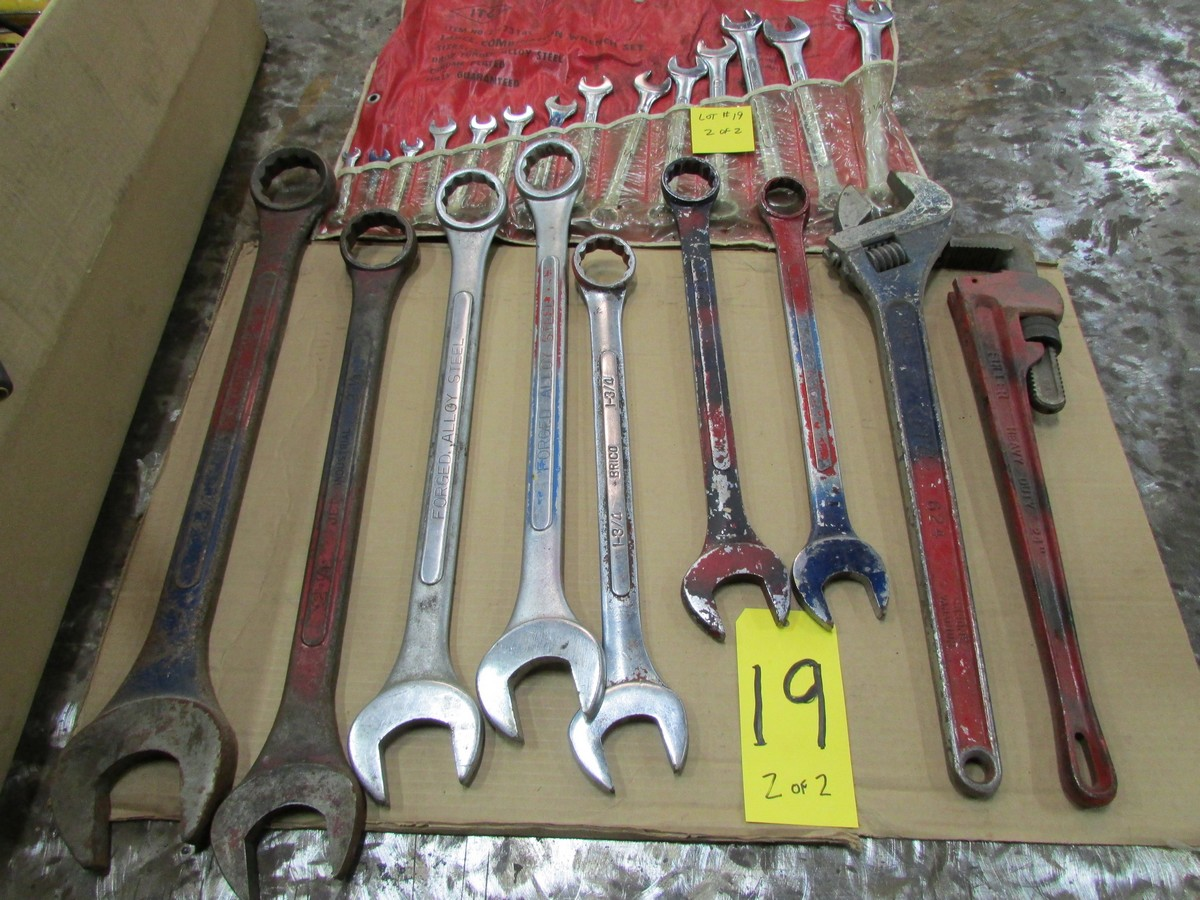 Lot 19 - Qty. of box end wrenches (3/8'' to 2 1/4''), with large adjustable wrench and pipe wrench