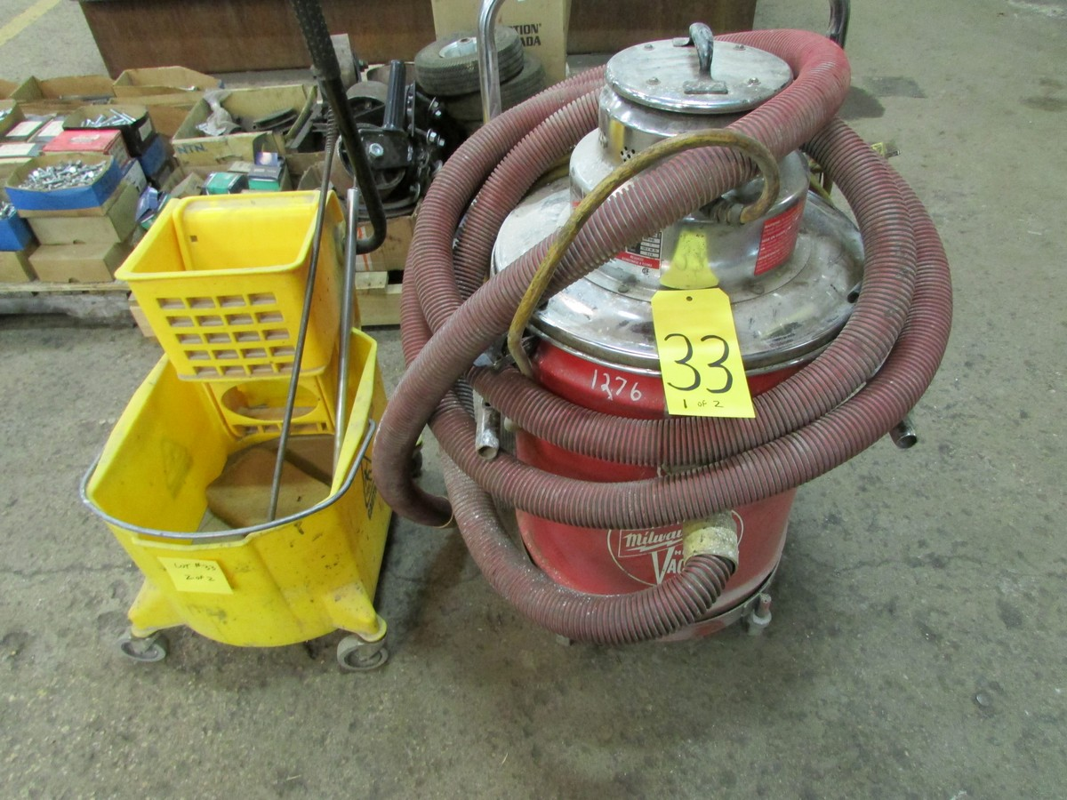 Lot 33 - Milwaukee HD shop vac and mop bucket