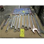 Box end wrenches from 1/4'' to 2 1/2'' with adjustable wrench and pipe wrench