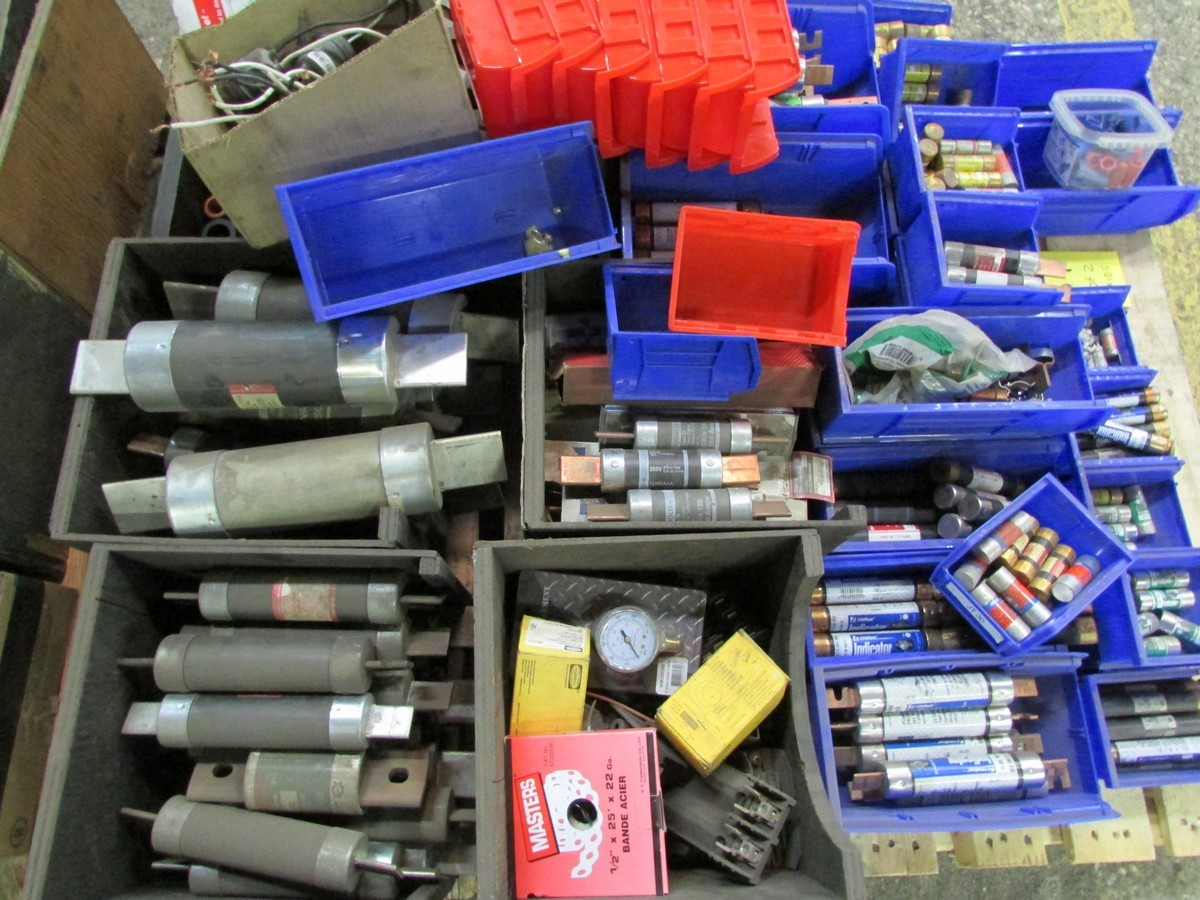 Two skids of various sized fuses, elec. components, fittings, connectors, etc. - Image 4 of 6