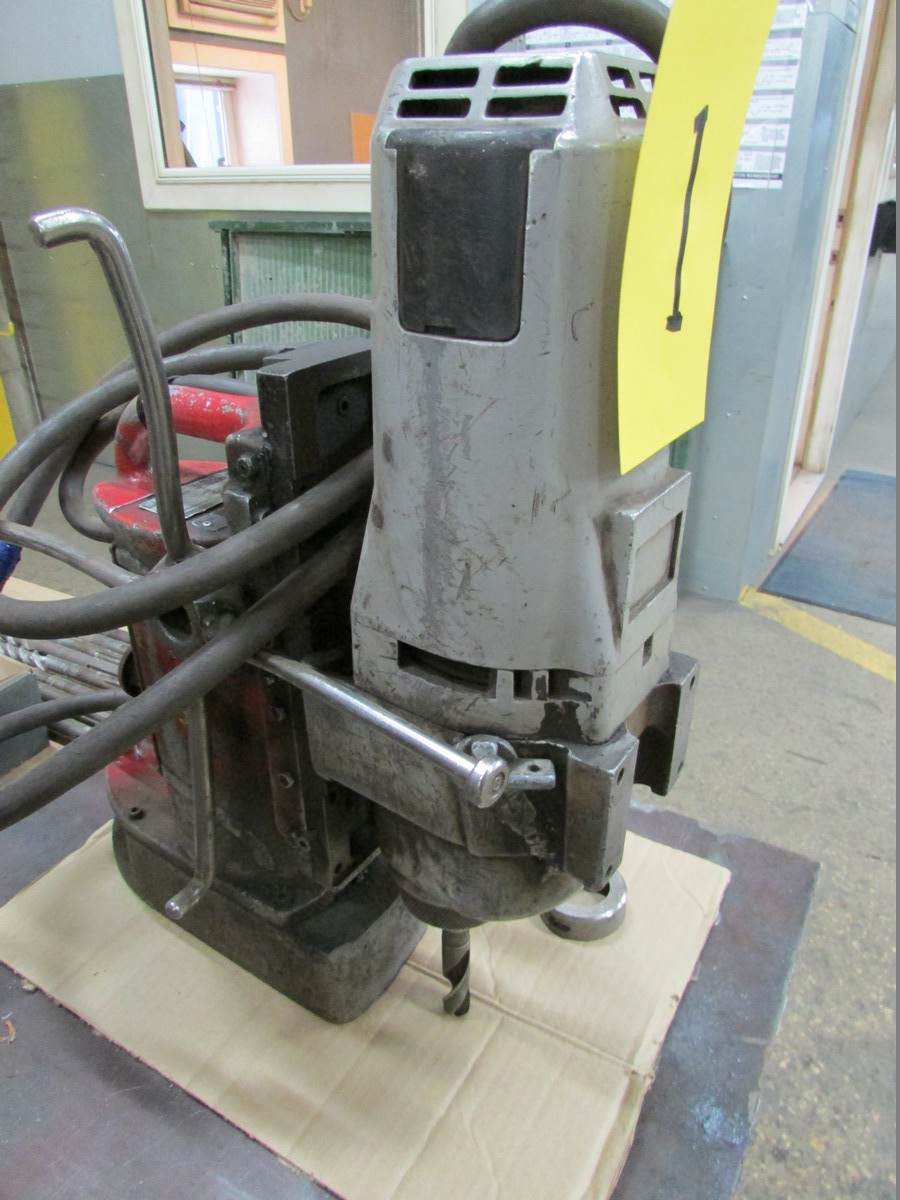 Milwaukee Magnetic Drill w/ 2MT Adapter, 110V - Image 3 of 3