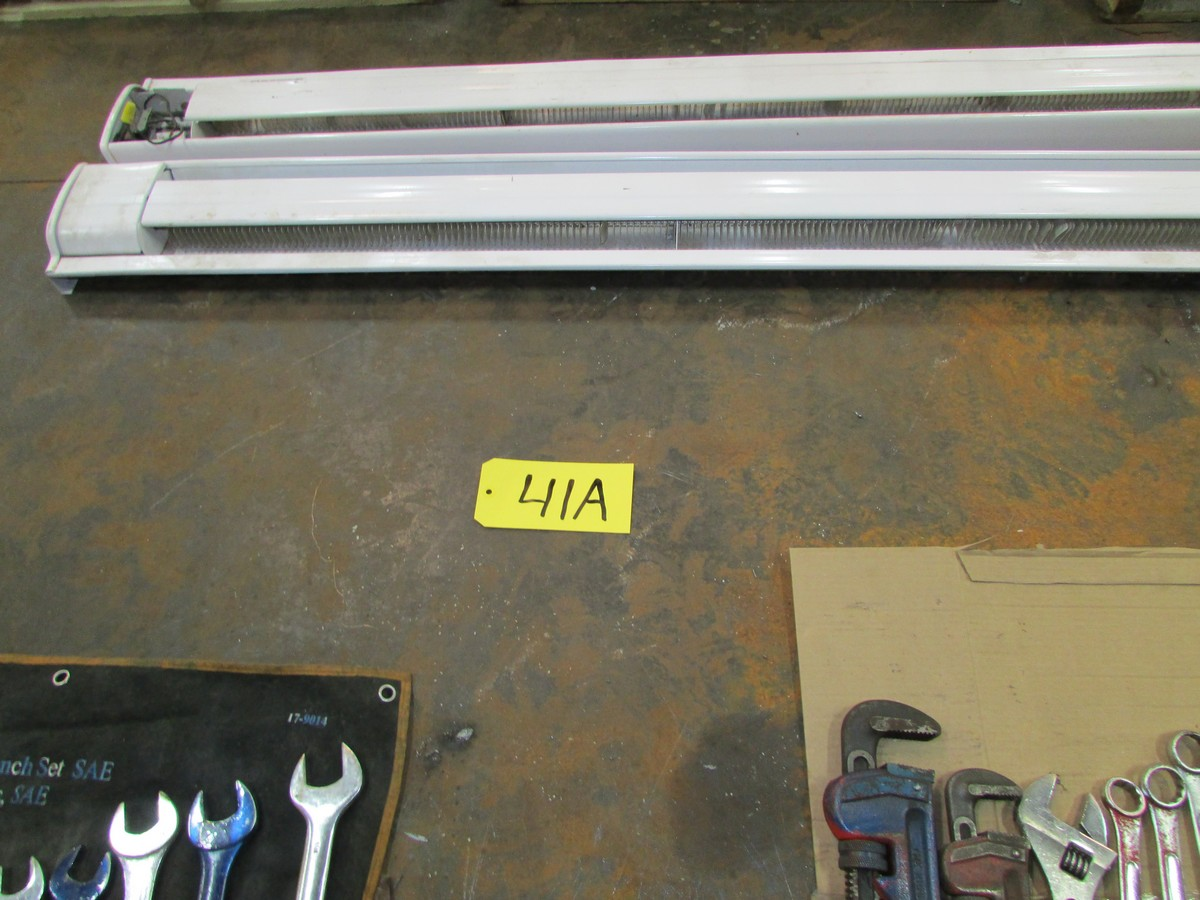 Lot 41A - 8' x 12' x 3/4'' steel platen (constructed with 2 - 4' x 12' plates sitting on 3 pcs of 12''