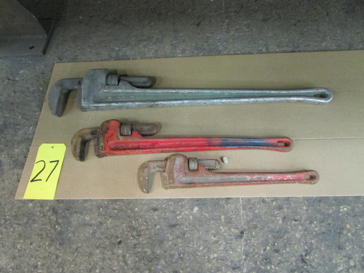 Lot 27 - Three pipe wrenches (small, medium & large)