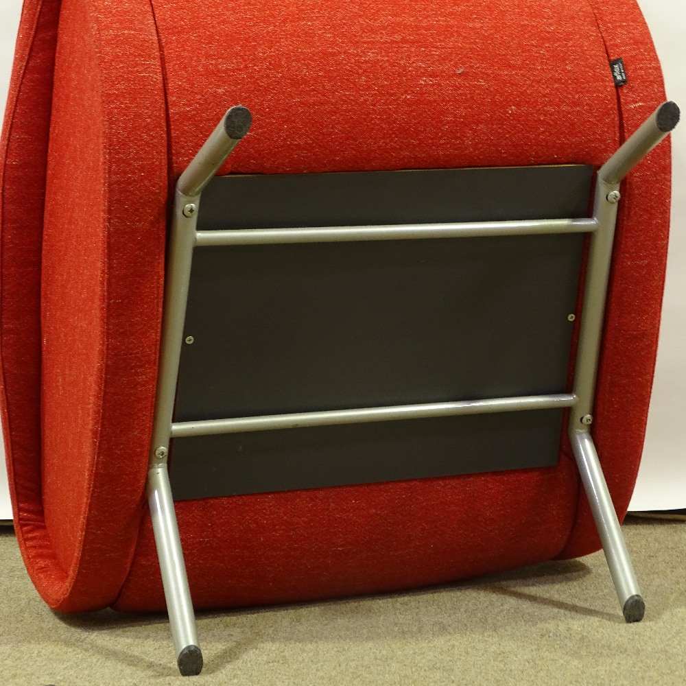 MARCO ZANUSO FOR ARFLEX - a late 20th Century Italian Lady lounge chair, red upholstery with steel - Image 4 of 5