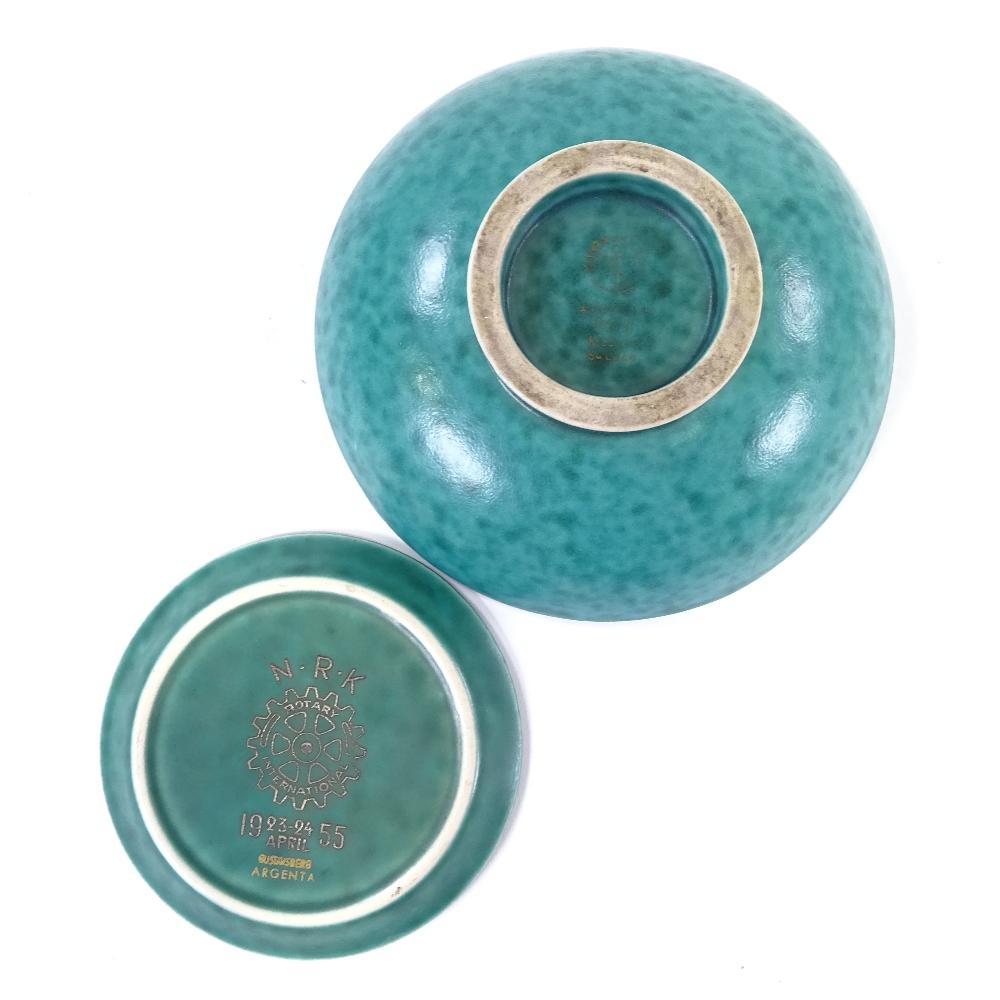 WILHELM KAGE FOR GUSTAVSBERG - a Mid-Century Swedish green glaze ceramic Argenta bowl... - Image 4 of 5