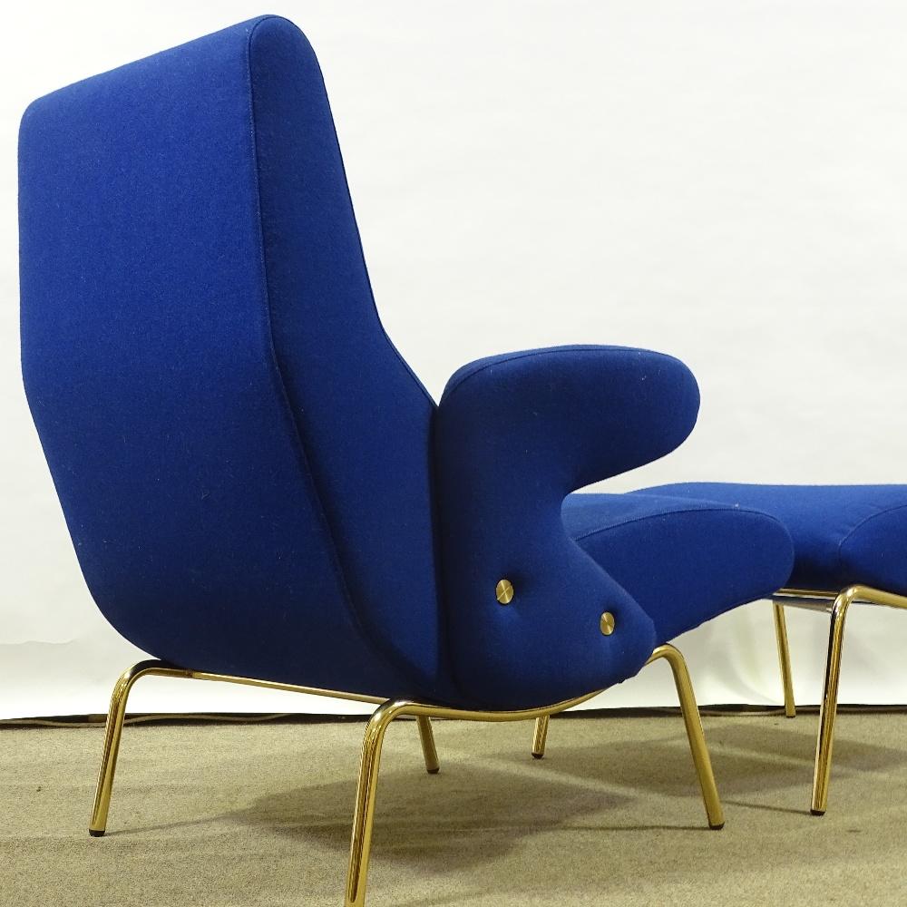 ERBERTO CARBONI FOR ARFLEX - a late 20th Century Italian Delfino / Dolphin lounge chair and Ottoman, - Image 3 of 5