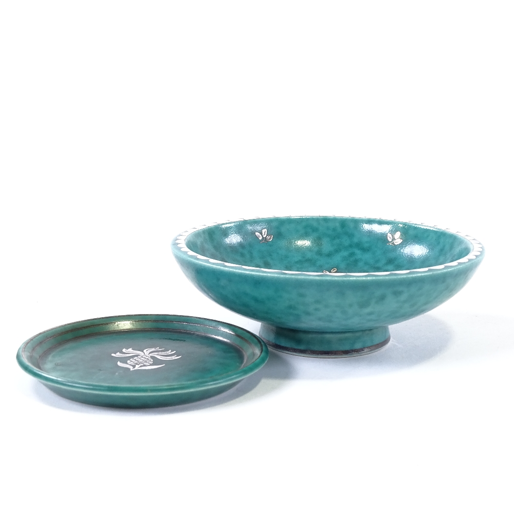 WILHELM KAGE FOR GUSTAVSBERG - a Mid-Century Swedish green glaze ceramic Argenta bowl... - Image 3 of 5