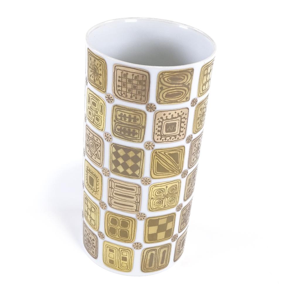 BJORN WIINBLAD FOR ROSENTHAL - a modernist Quatre Couleurs Studio Linie vase, cylindrical form - Image 3 of 5