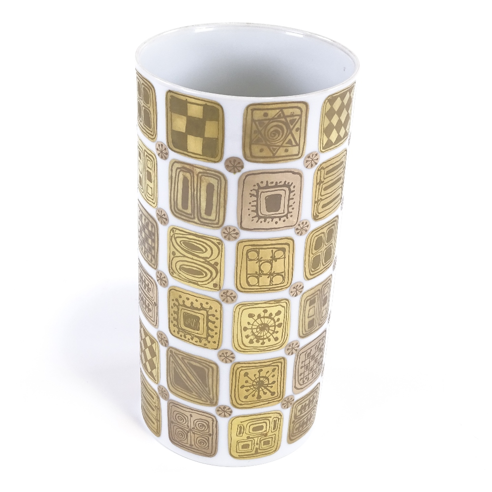 BJORN WIINBLAD FOR ROSENTHAL - a modernist Quatre Couleurs Studio Linie vase, cylindrical form - Image 2 of 5