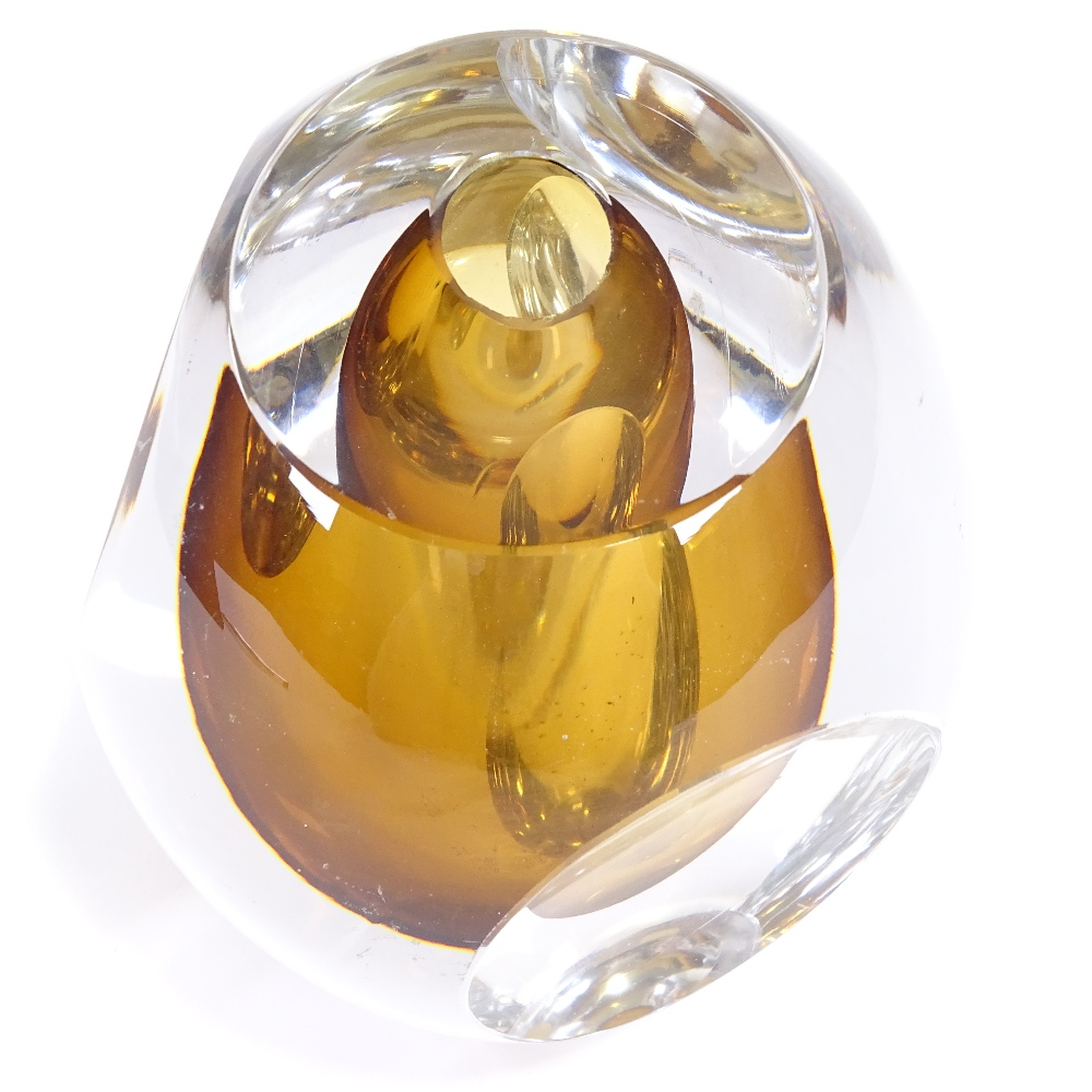 MONA MORALES SCHILDT FOR KOSTA GLASBRUK - a Mid-Century Swedish amber and clear glass Ventana - Image 3 of 5
