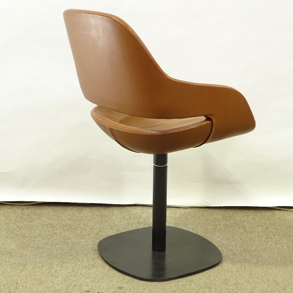 ORA-ITO FOR ZANOTTA - a modernist Eva pedestal swivel chair, brown leather upholstery with varnished - Image 3 of 5
