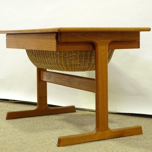 KAI KRISTIANSEN FOR VILDBJERG MOBELFABRIK - a Mid-Century Danish teak modernist sewing / coffee - Image 3 of 5