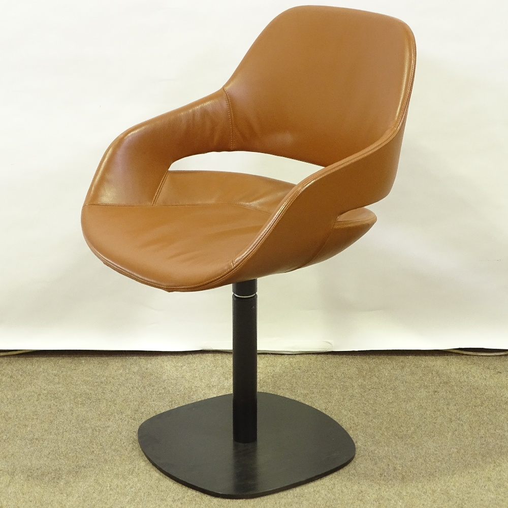 ORA-ITO FOR ZANOTTA - a modernist Eva pedestal swivel chair, brown leather upholstery with varnished