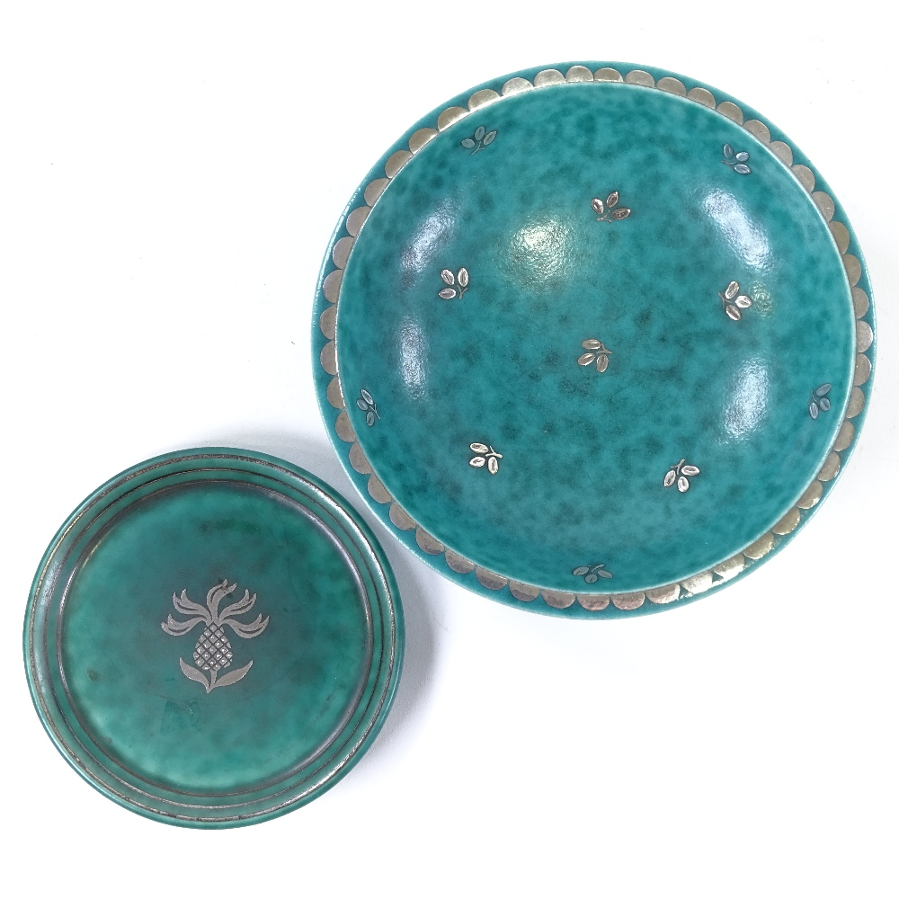 WILHELM KAGE FOR GUSTAVSBERG - a Mid-Century Swedish green glaze ceramic Argenta bowl... - Image 2 of 5