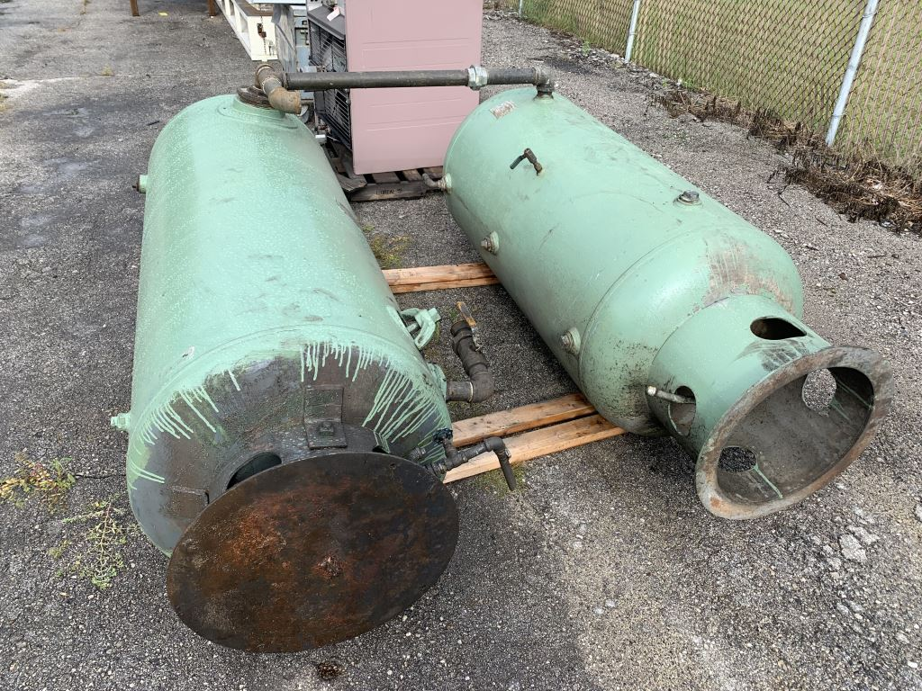 CHICAGO STEEL AIR TANK - $20.00 Rigging Fee Due to Onsite Rigger - Located in Holland, Ohio