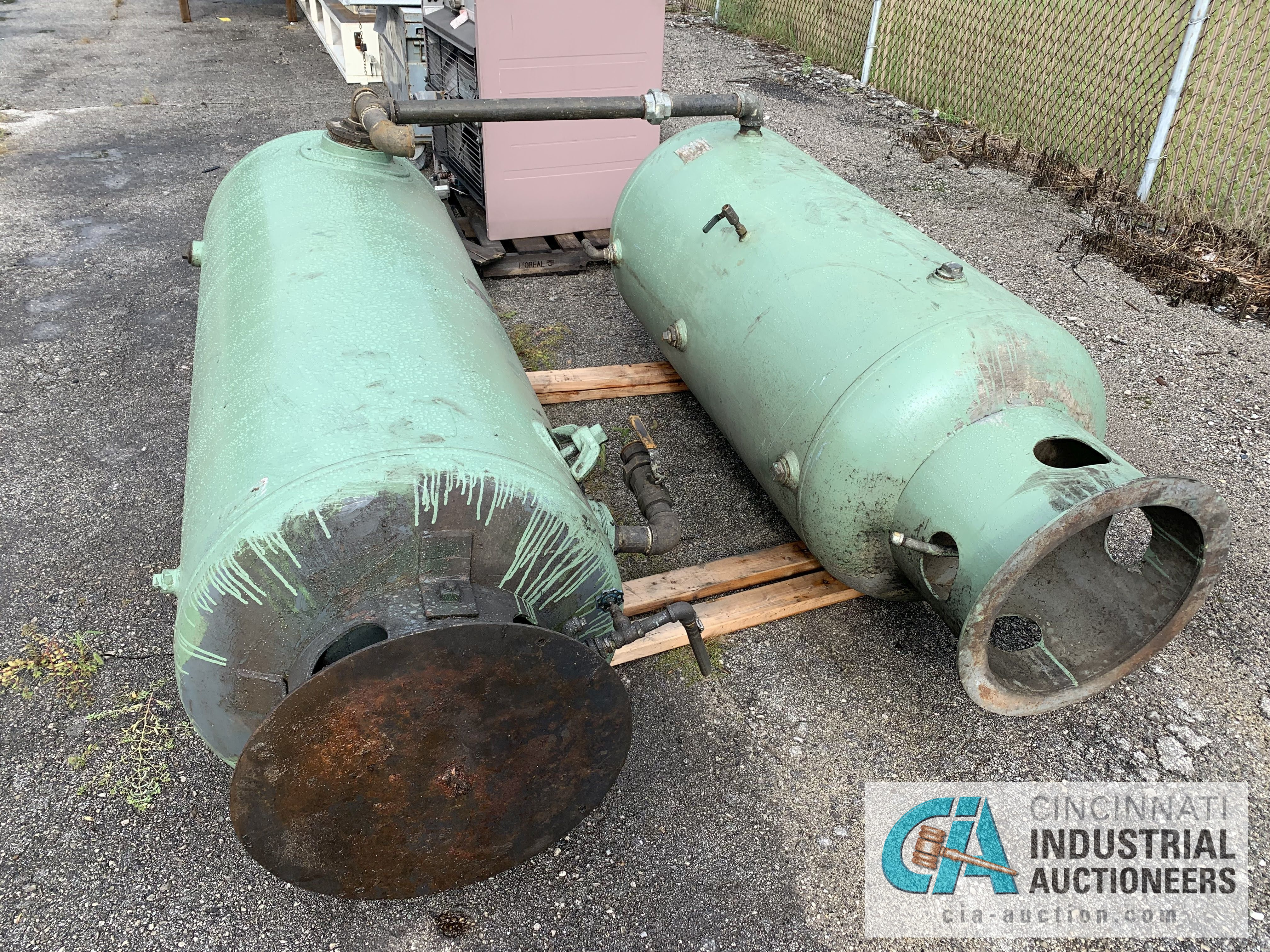 CHICAGO STEEL AIR TANK - $20.00 Rigging Fee Due to Onsite Rigger - Located in Holland, Ohio - Image 2 of 3