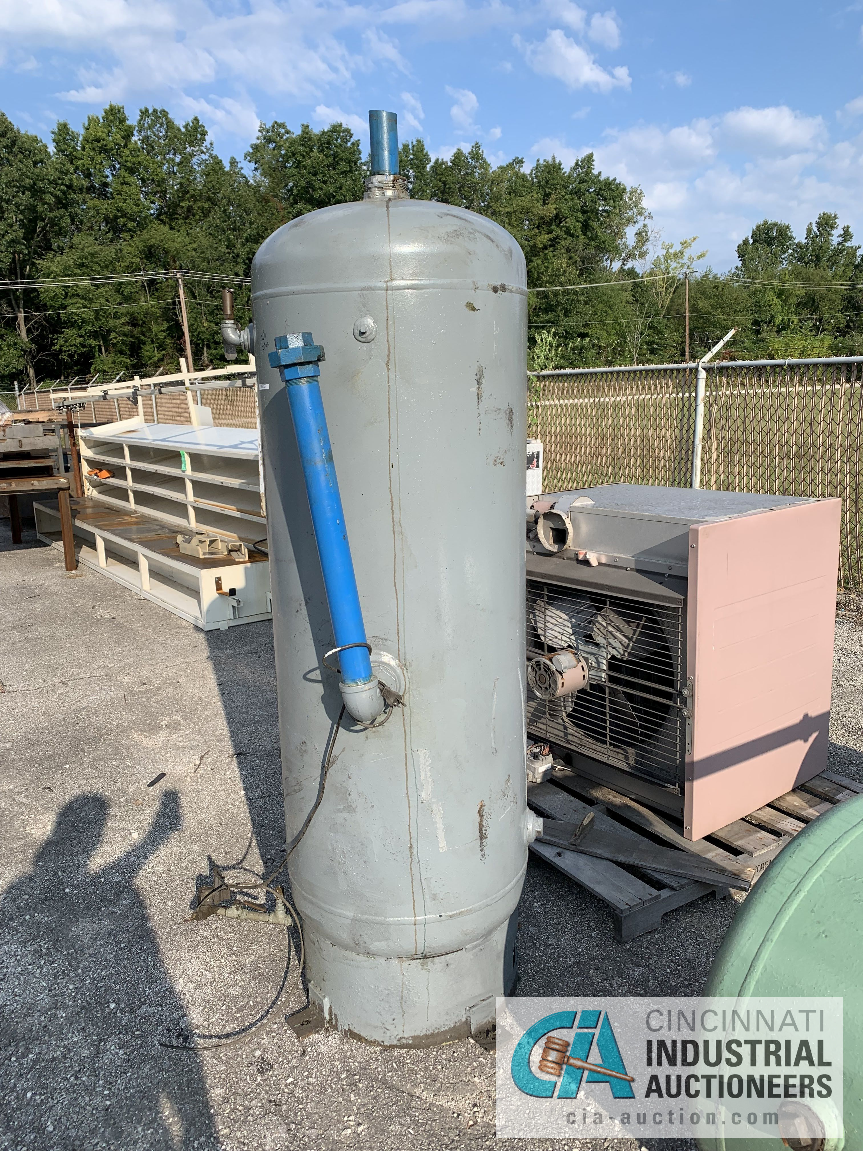 "53"" X 22"" WESTERN STEEL AIR TANK - $20.00 Rigging Fee Due to Onsite Rigger - Located in Holland,"