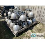 PALLET OF WAREHOUSE LIGHTS - $20.00 Rigging Fee Due to Onsite Rigger - Located in Holland, Ohio
