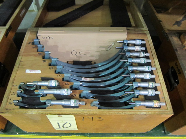 Lot 10 - MICROMETER SET, MITUTOYO, 0 to 12""