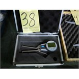 Lot 38 - ELECTRONIC CALIPER GAUGE, FOWLER