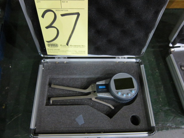 Lot 37 - ELECTRONIC CALIPER GAUGE, FOWLER