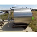 Aprox. 1,473 L / 389 Gal. S/S Double Jacketed Tank with Agitator, Sprayball, Man Hole (Tank is