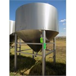Aprox. 5,000 L / 1,320 Gal. Cone-Bottom S/S Tank with Heated Cone-Bottom, Wide Outlet, Man Hole, Hot