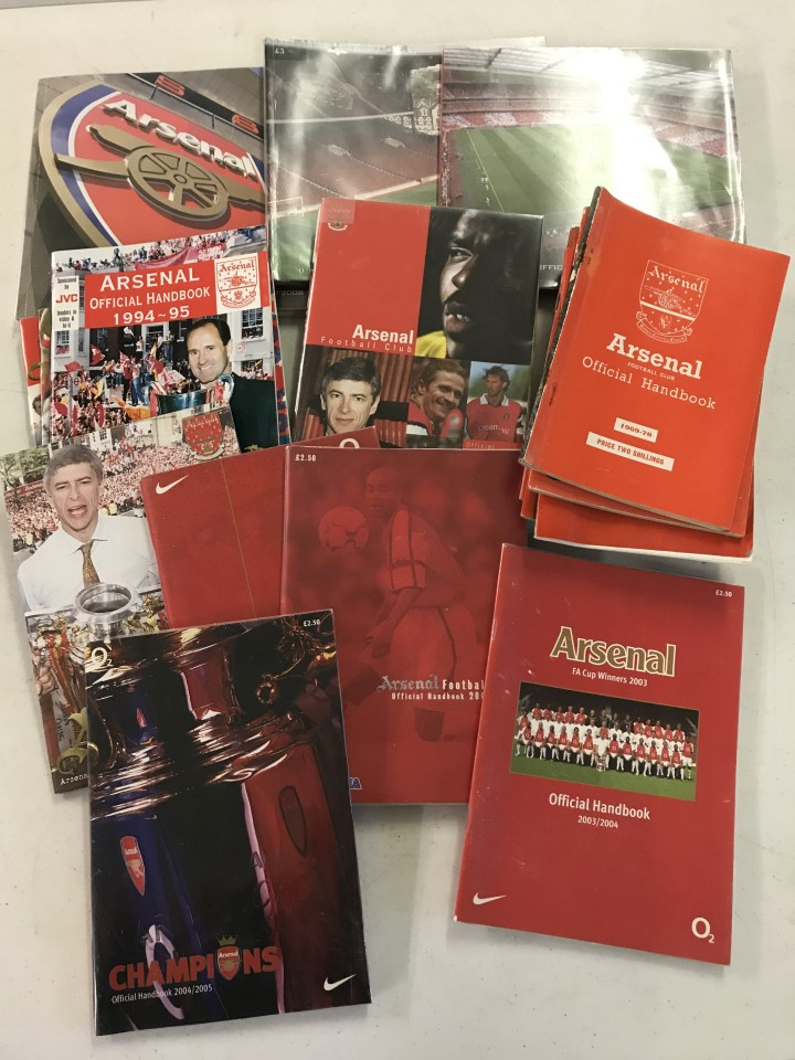Lot 26 - A collection of Arsenal FC handbooks from 1971-2 season onwards.