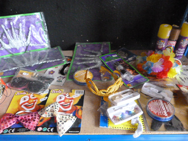 Lot 184 - *Bag of Assorted Accessories Including Tiaras, Hai