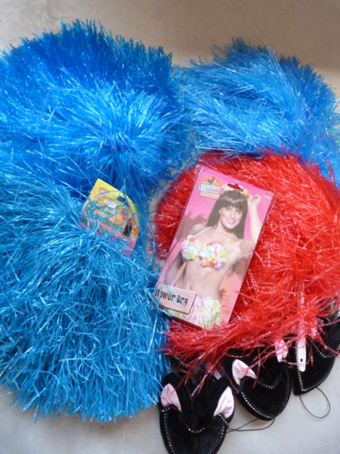 Lot 211 - *Bag of Assorted Accessories Including Cheerleader