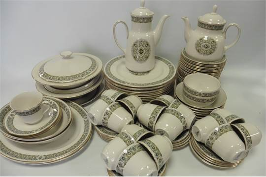 b3d2cb1c0c3bb Royal Doulton   39 Celtic Jewel  39  pattern dinner tea set ...