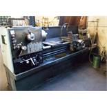 Enterpirse 2215 EP2215 centre lathe (Serial Number: 8520EP739, Year: 1995) with quick release tool