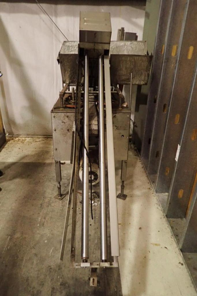 Lot 1007 - Hoffman capper, Model SASRO401, SN 960000, SS frame, 3 in. table top belt, parts machine - ** Locate