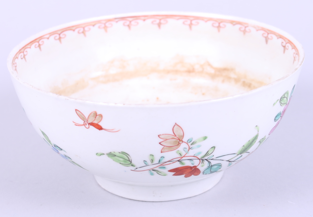 Lot 7 - An 18th century Worcester bowl with flower and foliage decoration
