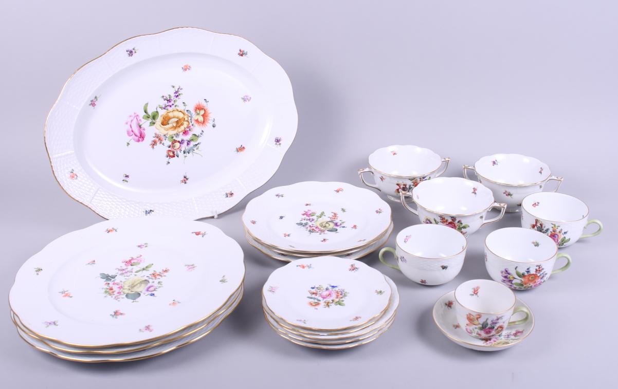 Lot 40 - A Herend porcelain part dinner service, decorated floral sprays