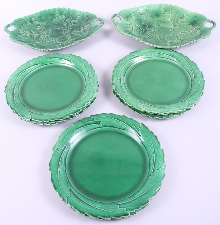"Lot 27 - A set of eight 19th century Spode green glazed pottery leaf plates, 8 1/2"" dia, and two similar"