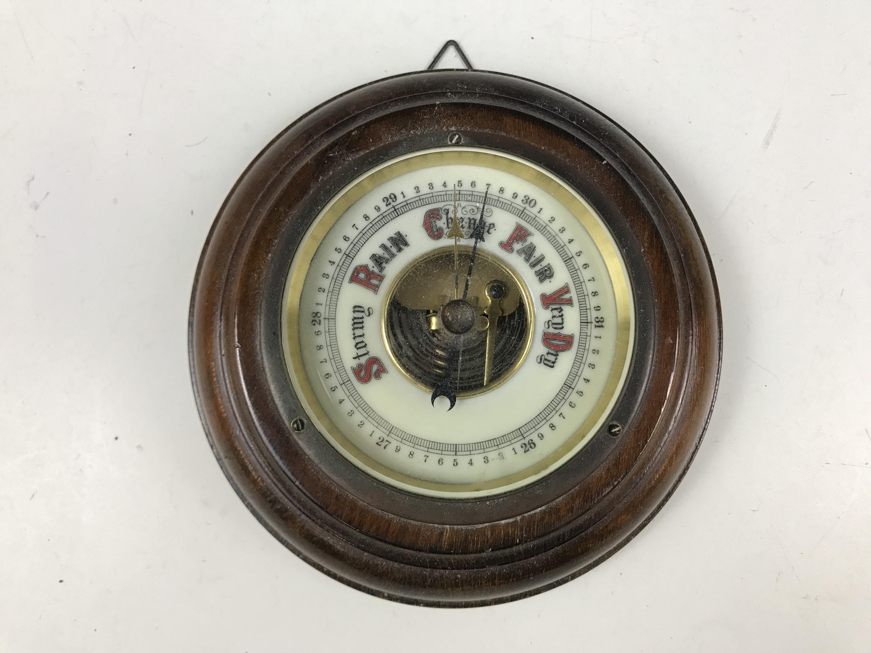 Lot 19 - A small Victorian wheel barometer